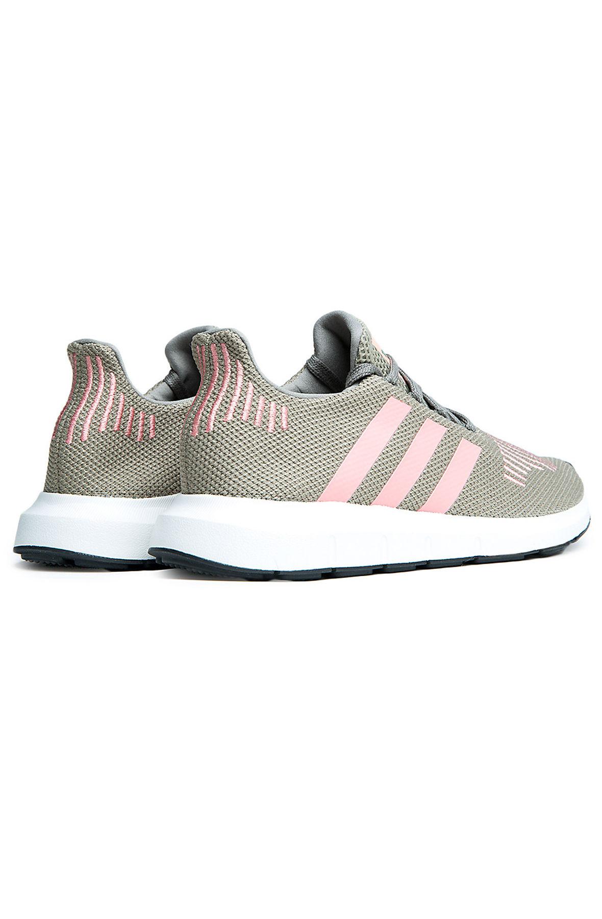 Image of Women's Swift Run Sneaker