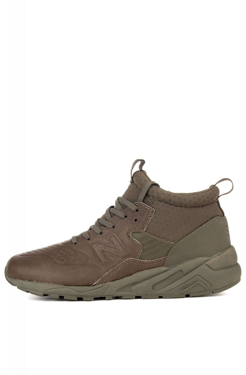 half off 4d159 7b5da The New Balance 580 Sneakers in Olive