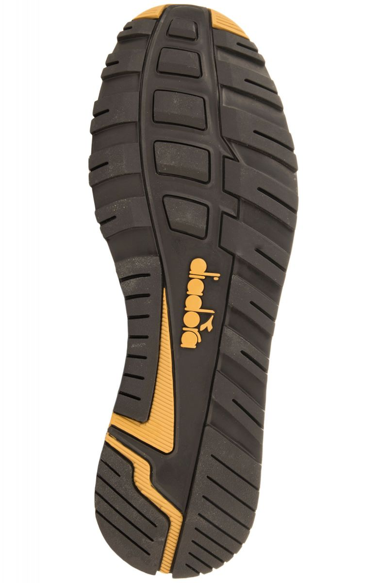... The Diadora N9000 Arrowhead Sneakers in Black   Gold Black   Gold be6cc76d860