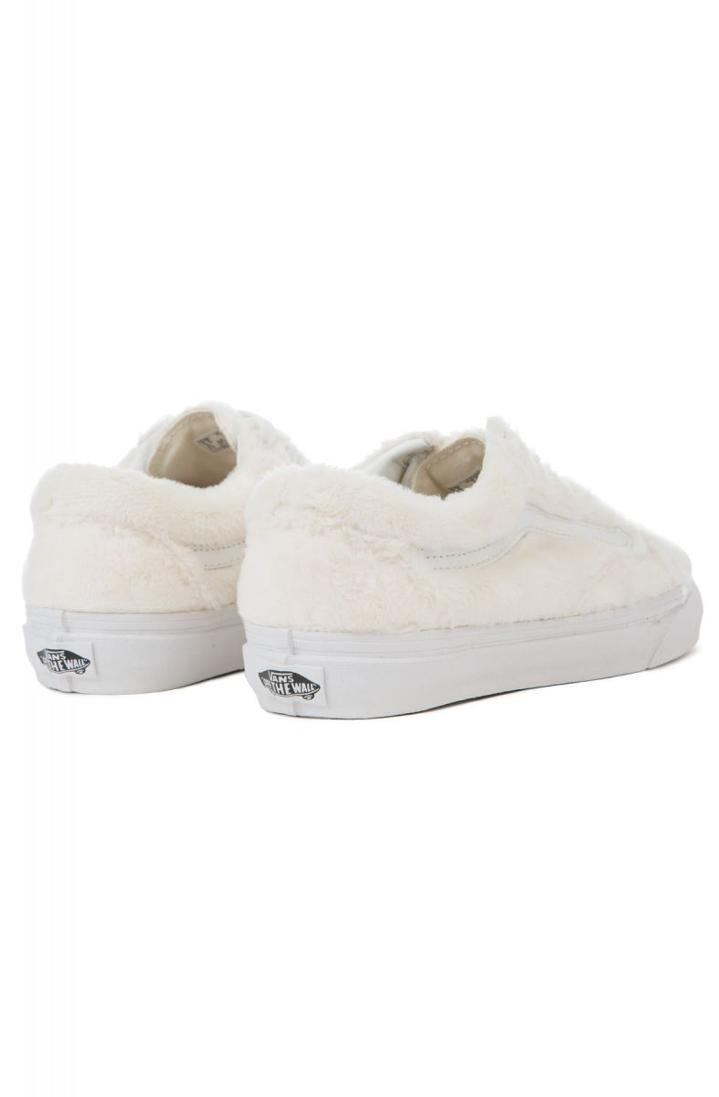 d4cffc43cec ... The Women s Old Skool Sherpa in Turtledove and True White ...
