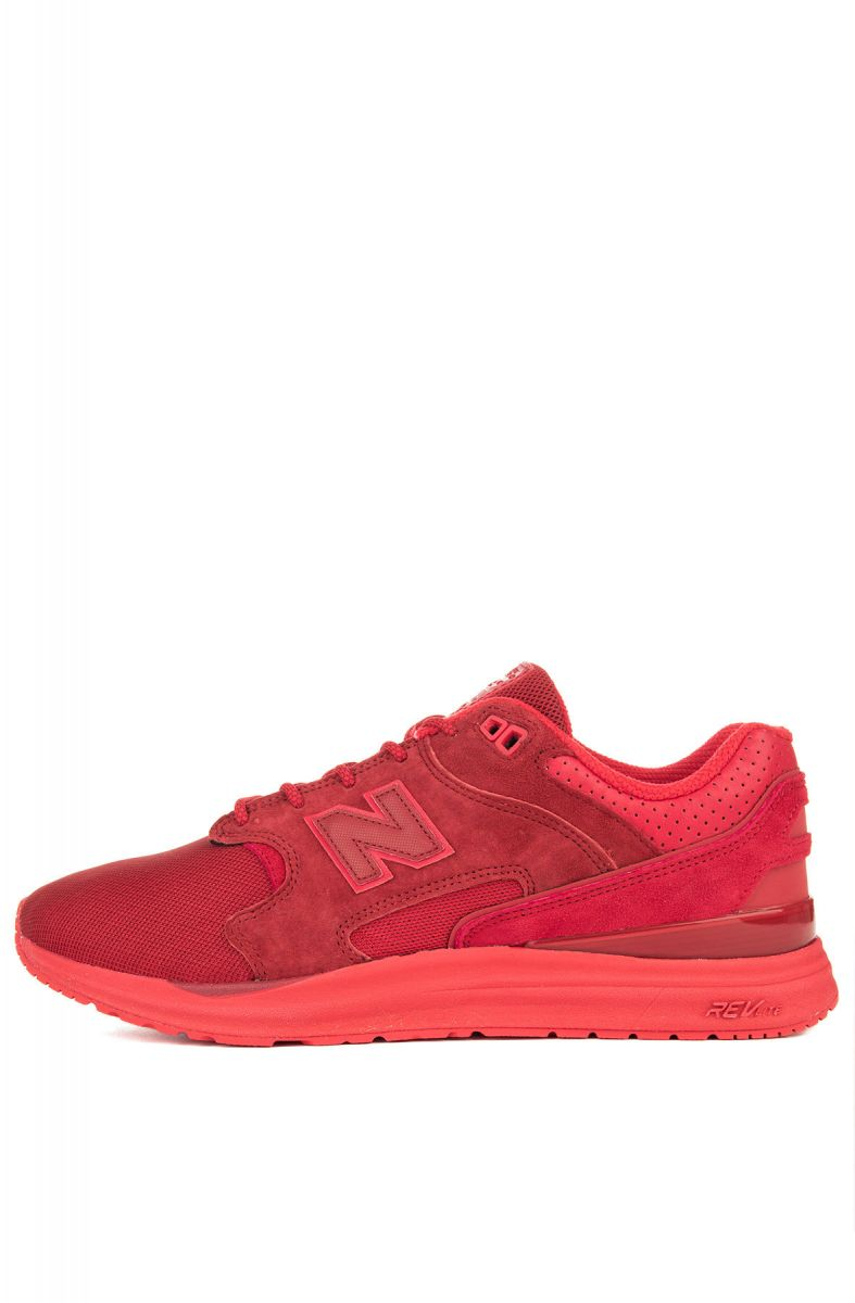 nouvelle arrivee 8a955 50e50 The New Balance 1550 Sneakers in Red