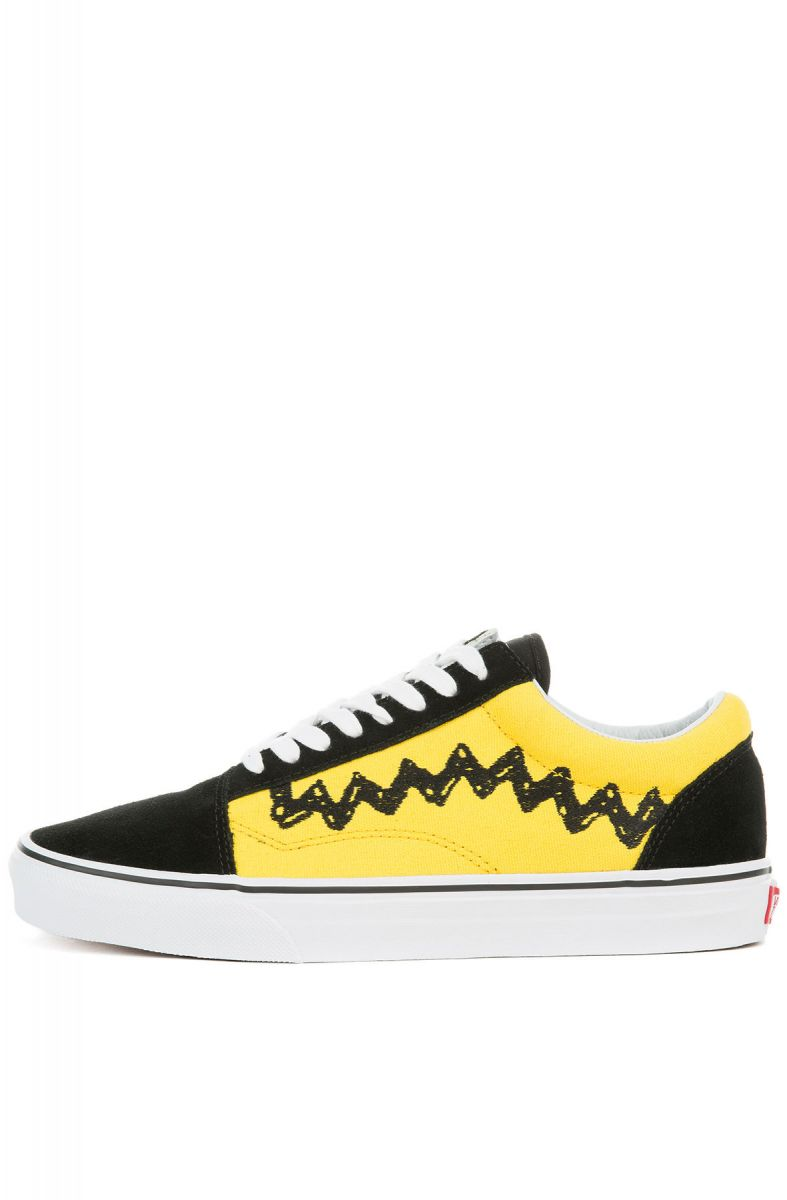 4d7cf6d65b VANS Sneaker x Peanuts Old Skool Charlie Brown Black