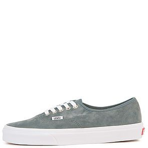 7624330ea6b3e1 The Men s Authentic Pig Suede in Stormy Weather and True White ...